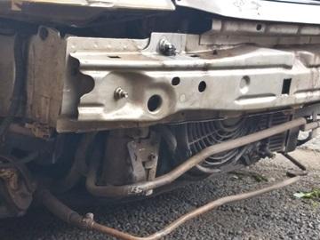 Acidente com carro na chegada da frente fria com chuva fina em Marechal Floriano