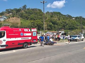 Colisão entre moto e carro de passeio deixa ferido um homem em Marechal Floriano