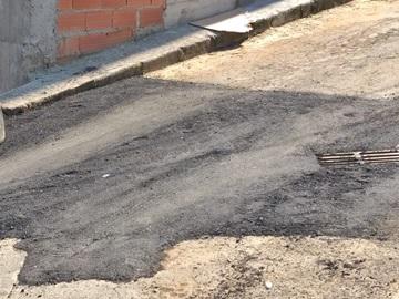 Concluída a tapagem de buracos de rua movimentada em Marechal Floriano 2