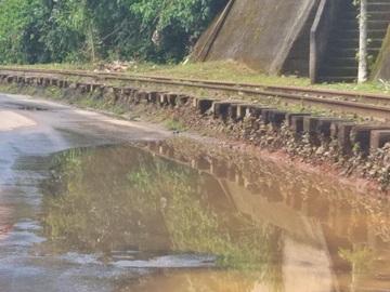 Massa asfáltica para resolver problemas de represamento da água das chuvas em Marechal Floriano