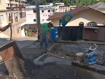 Rua esburacada será recuperada pela Prefeitura de Marechal Floriano durante o dia de hoje 10