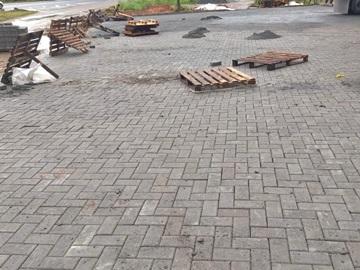 Chuva paralisa obras de calçamento em Marechal Floriano