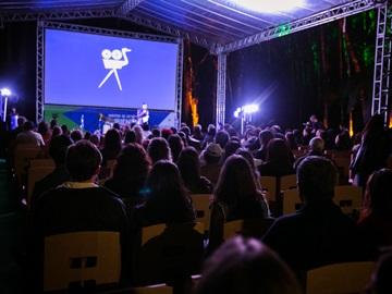 Cine.Ema começa hoje com programação online com filmes séries e bate papos2