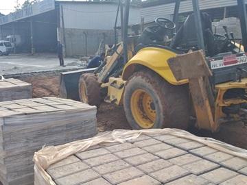 Empresa reinicia o calçamento do Trevo de Paraju em Marechal Floriano