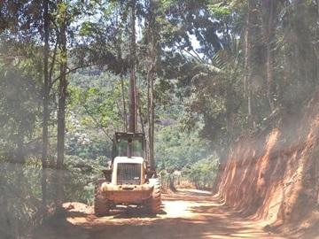 Estrada vicinal em Marechal Floriano recebe reformas
