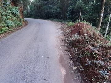 Queda de barranco em estrada do interior provoca perigo em via de Alfredo Chaves 2