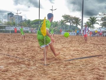 Jogador de futebol de areia do time de Marechal Floriano na Seleção Brasileira da categoria