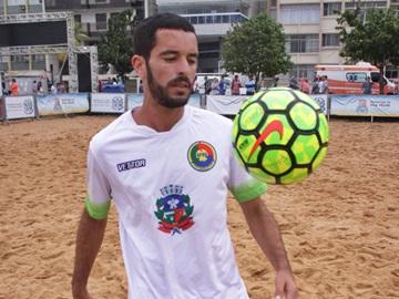 Jogador de futebol de areia do time de Marechal Floriano na Seleção Brasileira da categoria 2