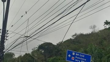 Cabo condutor de energia elétrica é rompido e deixa centro de Marechal Floriano na escuridão 2
