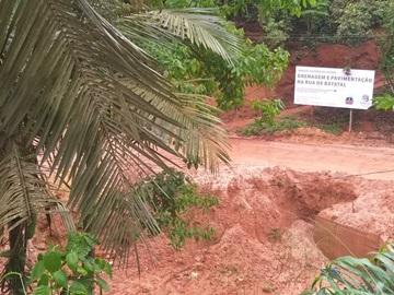 Obra de pavimentação e drenagem paralisada pelas fortes chuvas em Marechal Floriano 2
