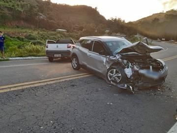 Acidente provoca ferimentos e destrói três carros em Marechal Floriano 2