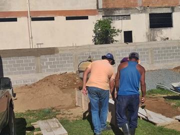 Conclusão das reformas da arquibancada e muro do campo do América de Marechal está próxima