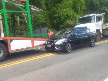 Movimento na BR 262 provoca colisão entre três veículos em Marechal Floriano