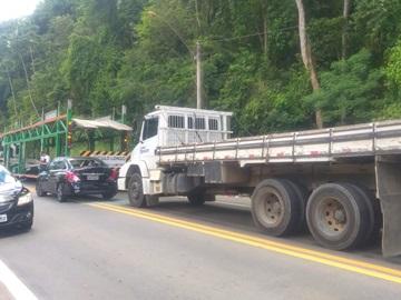 Movimento na BR 262 provoca colisão entre três veículos em Marechal Floriano 2