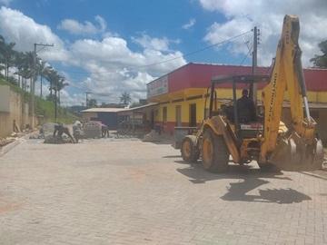 Novo piso em fase final de instalação no Trevo de Paraju em Marechal Floriano 2