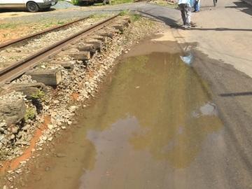 Novos tubos são instalados para desentupir rede de drenagem em Marechal Floriano
