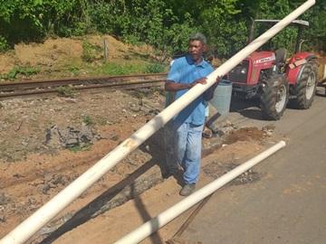 Termina hoje o serviço de instalação de grelhas e tubos para evitar represamento de água em Marechal Floriano 2