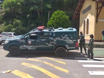 Bombeiros capturam mais uma cobra no Museu da Imigração em Marechal Floriano