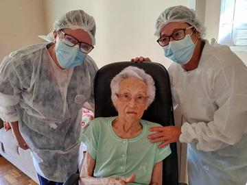 Covid 19 idosos acima de 90 anos são vacinados em Domingos Martins