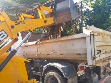 Moradores podem requisitar recolhimento dos restos de capinas em Marechal Floriano