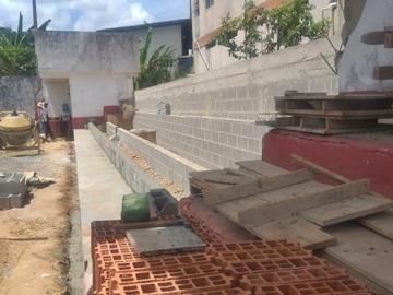 Obras de arquibancada e muro do campo do América devem ser concluídas em 15 dias