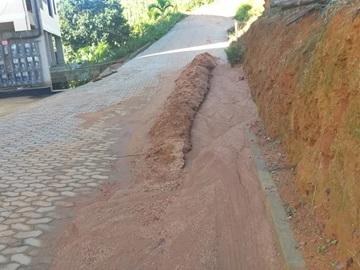 Prefeitura de Marechal Floriano desentupirá esgotos pluviais e limpará rua