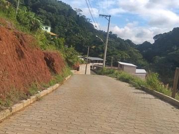 Prefeitura de Marechal Floriano remove lamaçal em rua do bairro Santa Rita