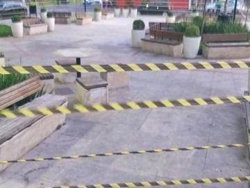 Fitas plásticas voltam a fechar acessos a locais públicos em Marechal Floriano