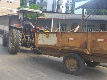 Redes de captação de águas das chuvas são entupidas por lixo em Marechal Floriano