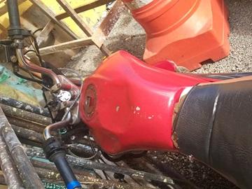 Colisão entre motos fere condutor na BR 262