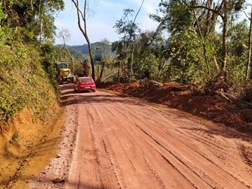 Continuam os trabalhos de recuperação das antigas estradas destruídas em Marechal Floriano