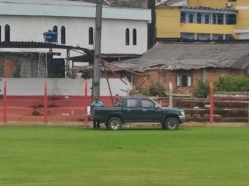 Alambrado de campo de futebol de Marechal Floriano recebe manutenção