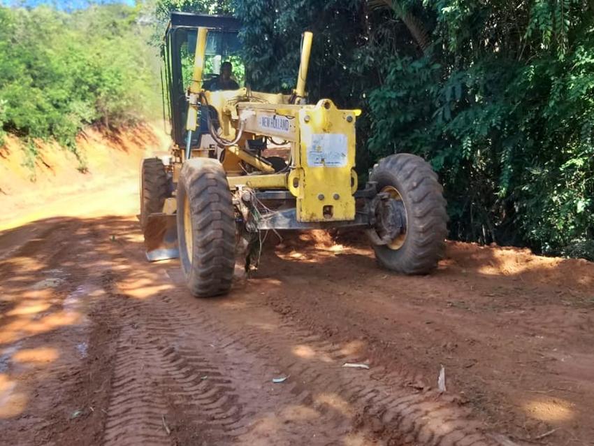 Estrada-recebe-melhorias-por-raspagem-e-podera-receber-calcamento-em-Marechal-Floriano-2