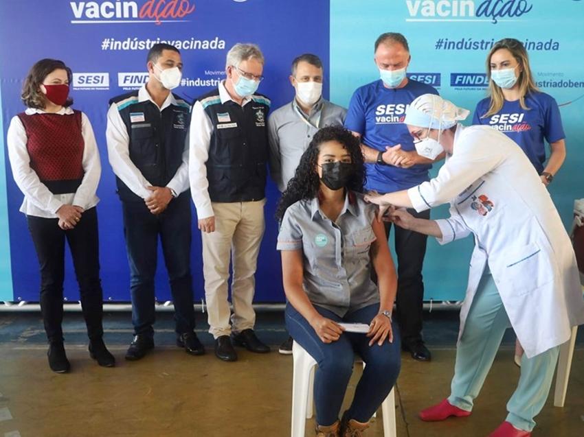 Estado-inicia-vacinacao-contra-a-Covid-19-dos-trabalhadores-industriais