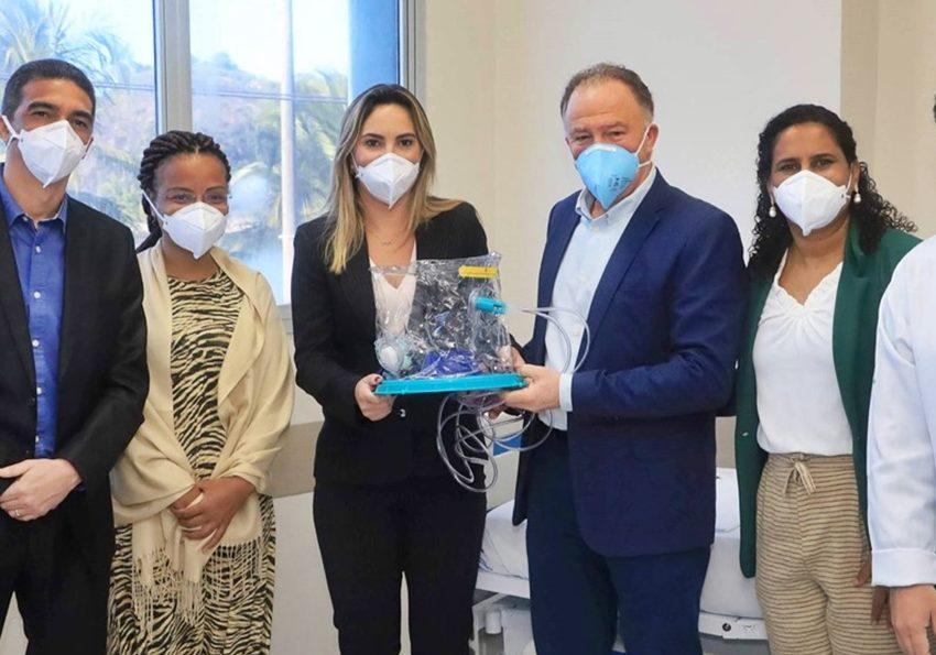 Estado-recebe-doacao-de-158-capacetes-ELMOs-para-pacientes-com-Covid-19