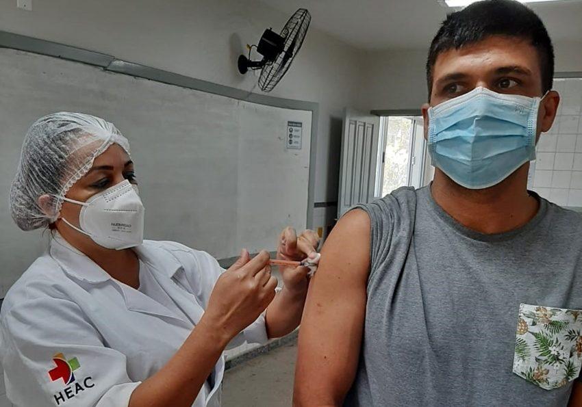 Municipios-ampliam-vacinacao-contra-a-Covid-19-para-tres-turnos